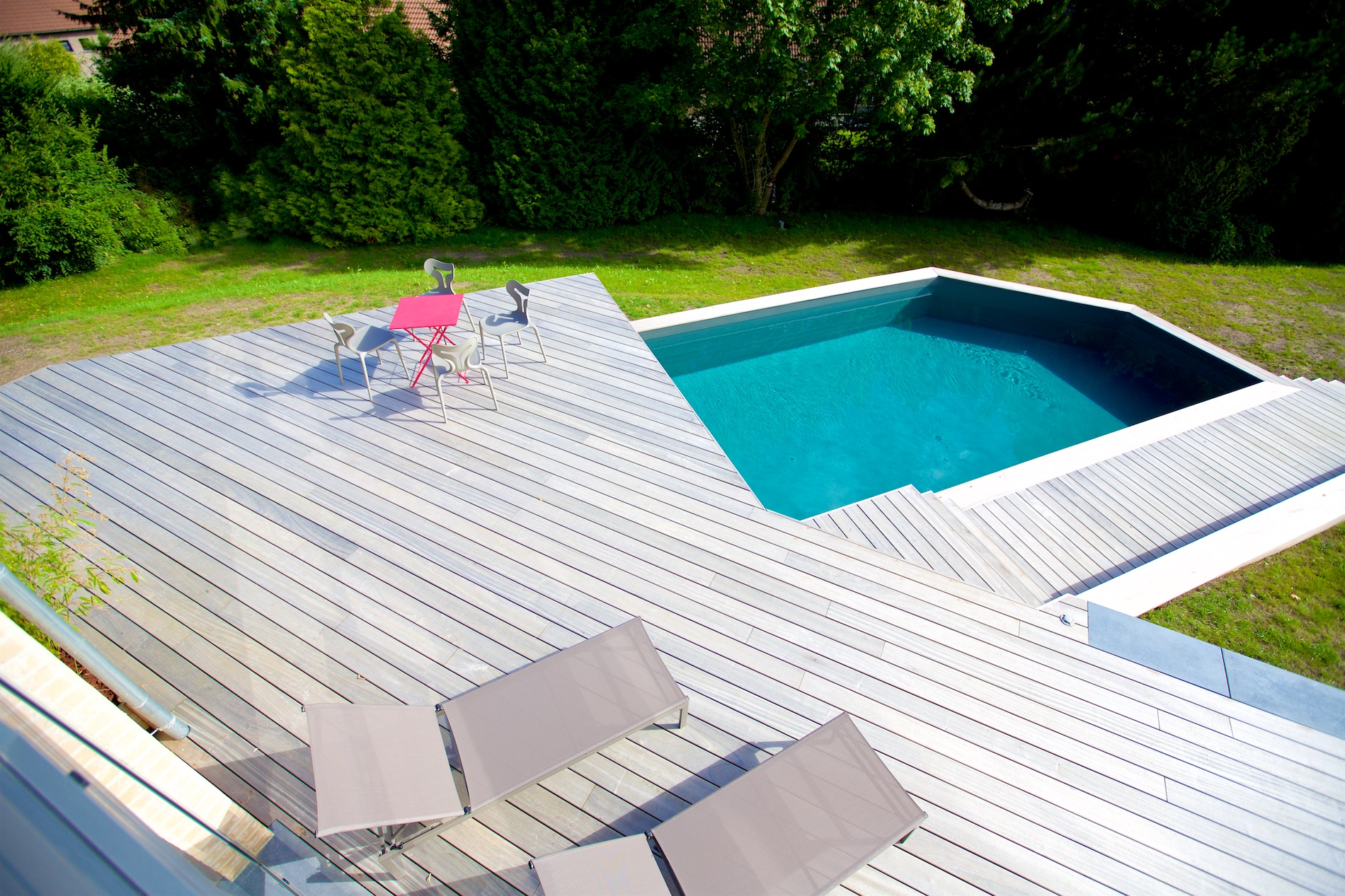 Maison novirtua 1 17 novirtua for Accessoire piscine namur