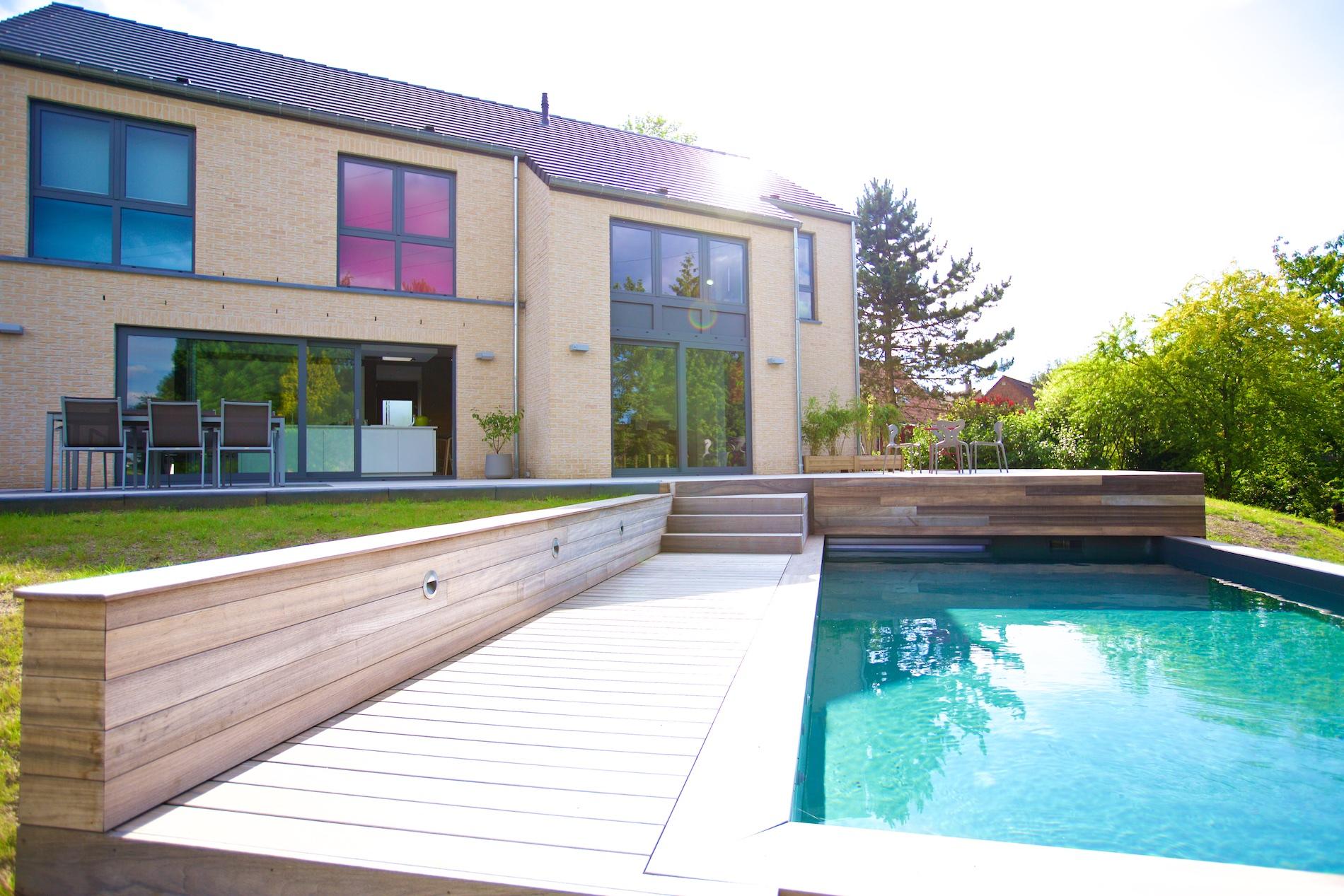 Maison novirtua 1 18 novirtua for Accessoire piscine namur