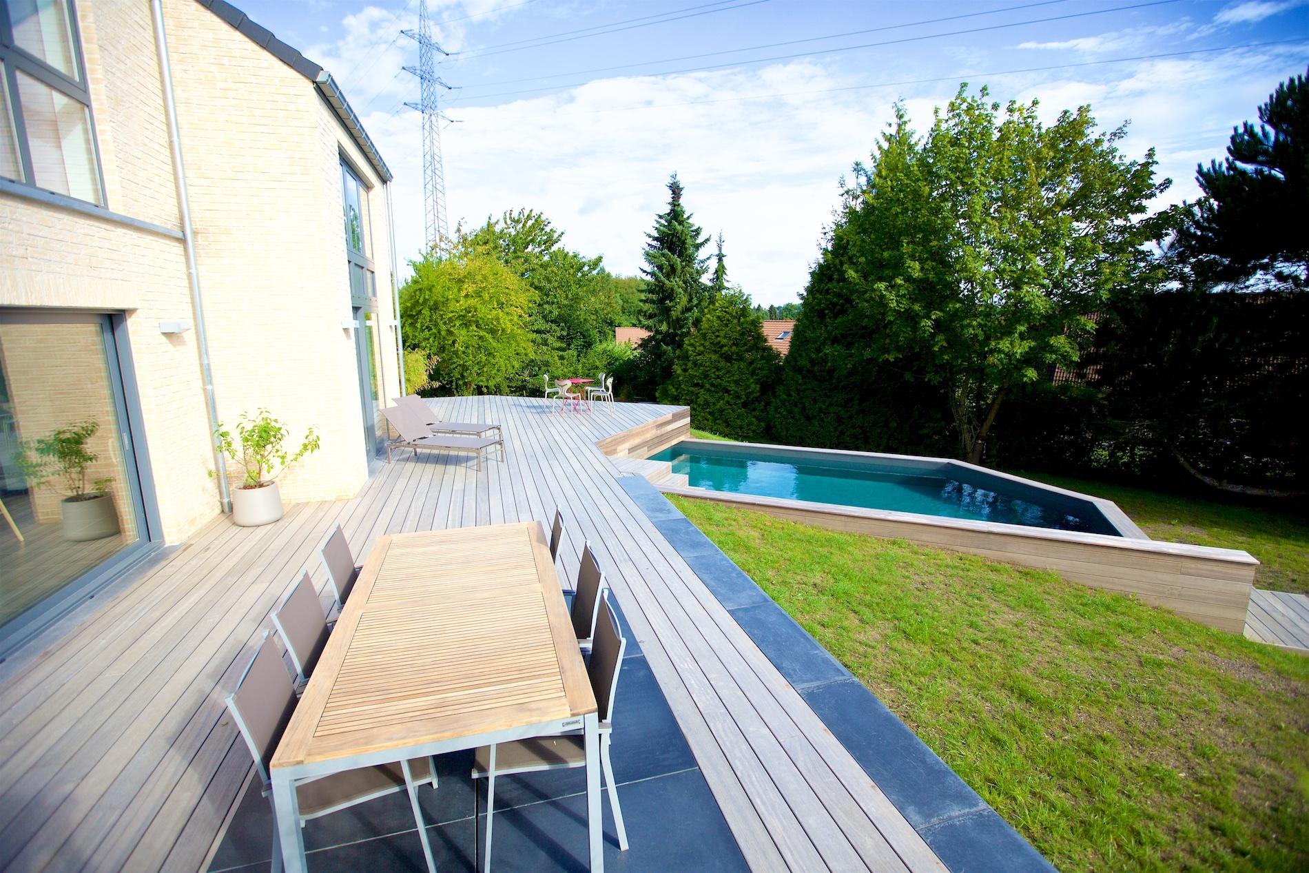 Maison novirtua 1 5 novirtua for Accessoire piscine namur