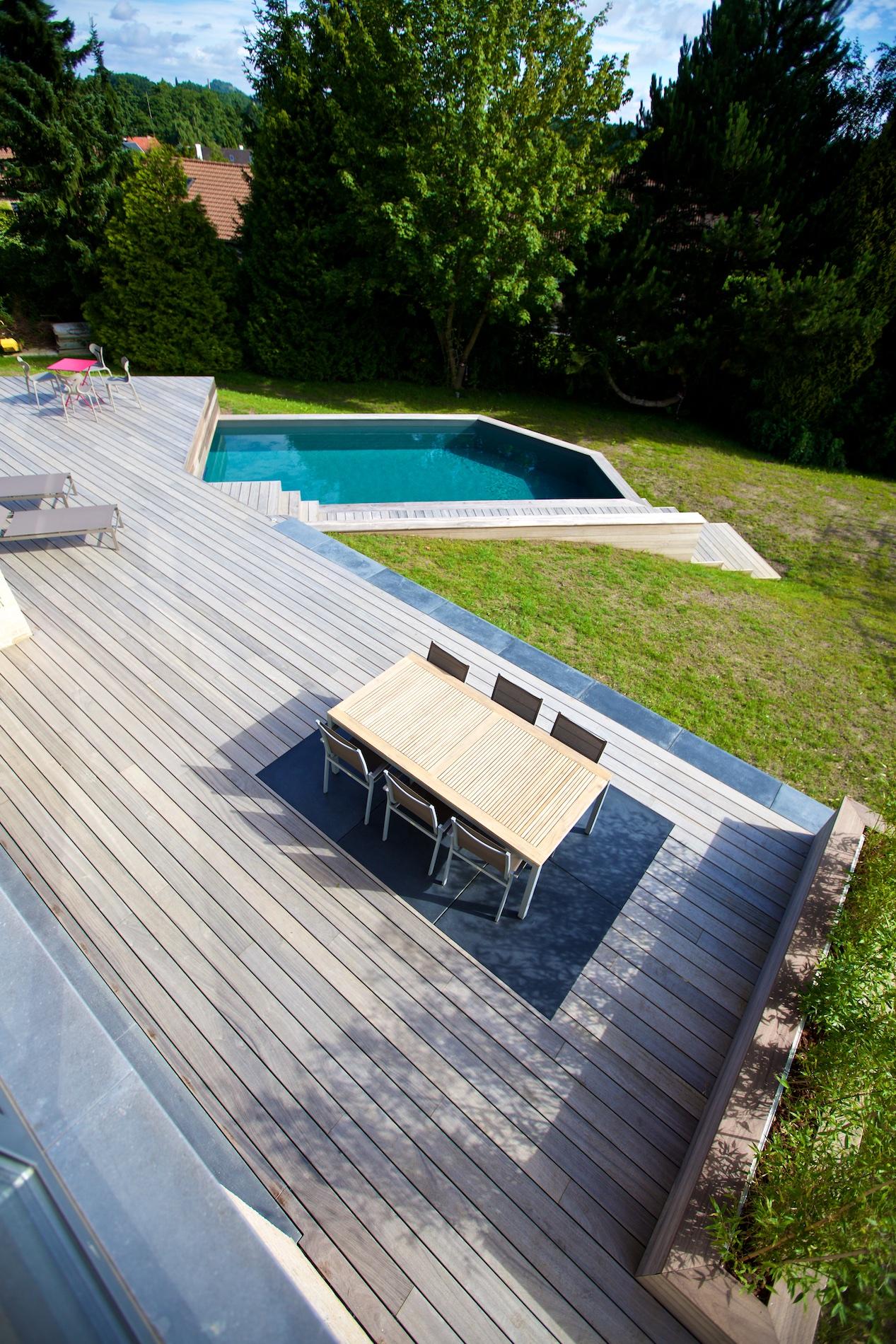 Maison novirtua 1 7 novirtua for Accessoire piscine namur