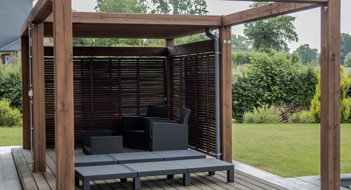 amenagement pergola exterieur free amenagement pergola. Black Bedroom Furniture Sets. Home Design Ideas