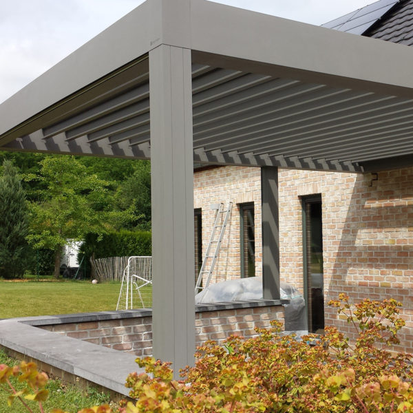 Pergola bioclimatique screens